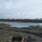Binderova hať po výrube (2017). Oči pre plač. Zaujímavé, že na Maďarskej strane Dunaja podobné protipovodňové opatrenia neboli nutné.